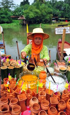 People & Floating Markets of Klonghae, Thailand