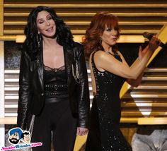 Host Reba McEntire introduces singer and actress Cher at the annual Academy of Country Music Awards in Las Vegas Picture Gallery image # 127395 at Country Music Awards containing well categorized pictures,photos,pics and images. Academy Of Country Music, Country Music Awards, Country Music Singers, Her Music, Good Music, Amazing Music, Musica Country, Cher Photos, Las Vegas