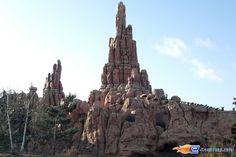 4/14 | Photo du Roller Coaster Big Thunder Mountain situé à @Disneyland Paris (France). Plus d'information sur notre site http://www.e-coasters.com !! Tous les meilleurs Parcs d'Attractions sur un seul site web !!