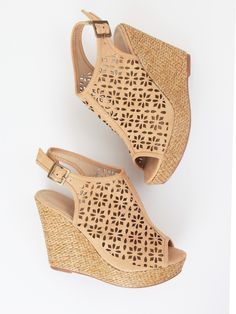 Altar'd State Dancing Daisy Wedge