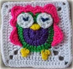 Owl granny square. So cute! Row by row visuals and tutorial. Also has complimentary non-owl square to make an afghan.