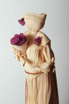 Portuguese handmade corn husk doll with flower от Tornadouro, €18.00