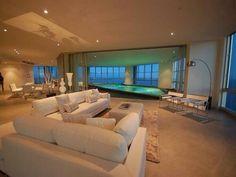 Luxury Status : Photo