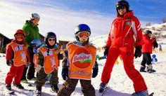 Ski- und Familienurlaub auf der Gerlitzen Alpe/Kärnten mitten im Skigebiet. Skischule und Verleih direkt neben dem Hotel. Mountain Resort, Winter, Renting, Family Vacations, Round Round, Winter Time, Winter Fashion