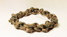 """""""How You Can Make A Chain Bracelet With Paracord"""""""