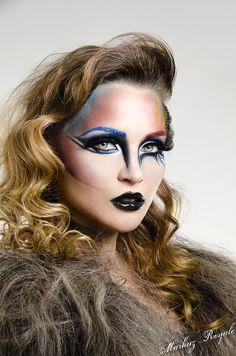 Eye Makeup Blue Avant Garde Ideas For 2019 Eye Makeup Blue Avant Garde Ideas For 2019 Make Up Looks, Hd Make Up, Maquillage Halloween, Halloween Makeup, Make Up Tutorials, Eye Makeup Blue, Exotic Makeup, Dramatic Wedding Makeup, Blaues Make-up