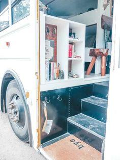 Bus Remodel, School Bus Tiny House, Bus Living, Tiny Living, Living Rooms, Converted School Bus, School Bus Conversion, Caravan Conversion, Short Bus