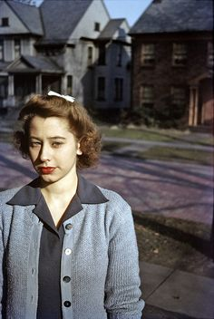 <> Kodachrome 1940s  (Darn if this doesn't look like Lanie Lane born 1987 from Australia!!)