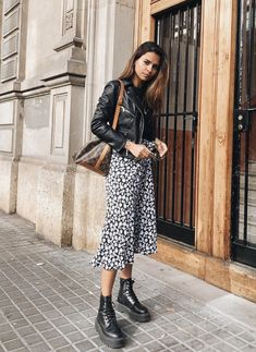 Fall Winter Outfits, Spring Outfits, Moda Ootd, Printed Skirt Outfit, Ootd Fashion, Fashion Outfits, Fashion Trends, Spring Summer Fashion, Autumn Fashion