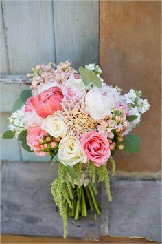 pink bouquet @weddingchicks