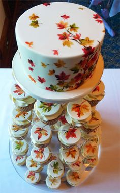 Amelie's House: Maple leaf wedding cake