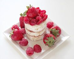 Raspberry Ripple Cake ~ Arm yourself and get fork ready for this summer