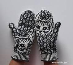 Knitted Mittens Pattern, Knit Mittens, Gloves, Socks, Knitting, Hot, Patterns, Happy, Fashion
