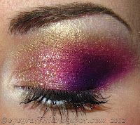 Sometimes I wish I had a hundred pairs of eyes just so I could WEAR -ALL- THE EYESHADOWS. At once. All the time.