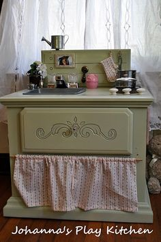 Adorable DIY play kitchen. http://shelleyinspired.blogspot.com/2010/08/johannas-diy-play-kitchen-mission.html
