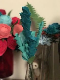 Making your own flowers from felt, fabric or paper is incredibly rewarding if a little time consuming and to start with, daunting. With very few tutorials out there I thought I would share a few o…