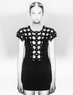 Crochet Dresses Design Sandra Backlund knit and crochet designer! - Knitwear designer Sandra Backlund does amazing beautiful work with knit and crochet fashions. Black Crochet Dress, Knit Dress, Crochet Dresses, Crochet Tops, Knitwear Fashion, Crochet Fashion, Sandro, Sandra Backlund, Crochet Woman