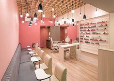 Nail Salon Furniture, Beauty Salon Interior, Salon Interior Design, Studio Interior, Interior Design Kitchen, Wall Rack Design, Nail Salon Design, Living Dining Combo, Nail Room
