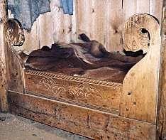 Eiriks bed ~ Viking style