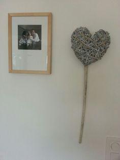 Coeur en rotin. .. Frame, Home Decor, Rattan, Homemade Home Decor, A Frame, Frames, Hoop, Decoration Home, Interior Decorating