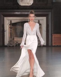 Modest Wedding Dresses, Elegant Dresses, Bridal Dresses, Beautiful Dresses, Wedding Gowns, Nice Dresses, Robes D'occasion, Winter 2017, Fall Winter