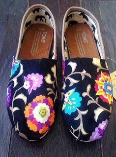 Vera Bradley Toms. I need these