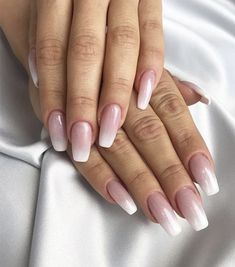 Le baby boomer: la manucure que l'on ne va plus quitter Rose Gold Nails, Rose Gold Glitter, Gold Nail Designs, School Nails, Classy Nails, Beauty Spa, Pastel Nails, Accent Nails, Nail Tutorials