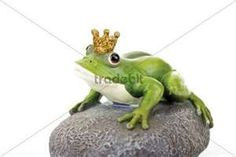 frogs with crowns...love