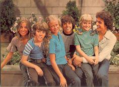 """The Brady Bunch - a great candid shot of the kids from I think Season 3 ('71-'72) -- Left to Right:  Marcia Brady;  Robert """"Bobby"""" Brady; Jan Brady; Peter Brady; Cynthia """"Cindy"""" Brady; Gregory """"Greg"""" Brady"""