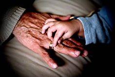 """Hoy va por ellos...un """"me gusta"""" por los abuelitos ;) Gracias por enseñarnos, cuidarnos y """"mimarnos"""""""