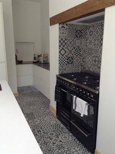 It's amazing how #Heritage series looks on kitchens' #floors and #blacksplashes. #hydraulic #tiles #ceramics