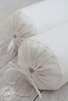 Love these pillows...   By Drewniana Szpulka: szycie, szycie, szycie...