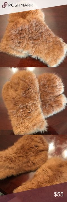 """Vintage Shearling Fur Mittens ❄️ Vintage Brown Shearling Fur Mittens. Excellent condition. Very very warm! Generous fit, could fit up to a larger sized hand. Length 13"""". Vintage Accessories Gloves & Mittens"""