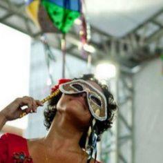 Bom Lazer - Seu fim de semana começa aqui: #BOMLAZER | SHOW - Bianca Leão interpretando samba...