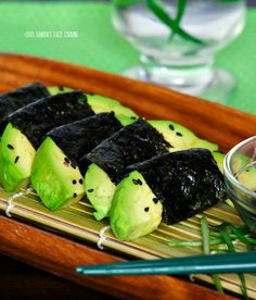 Delicious and easy snack or appetizing recipe for Avocado wrapped with Nori {dry Seaweed} with soy sauce dip. 1 Avocado, hard-not ripe 2 sheets of Nori{dry seaweed} Sea Weed Recipes, Sushi Recipes, Raw Food Recipes, Healthy Recipes, Sushi Seaweed, Seaweed Wrap, Asian Cooking, Easy Cooking, Quirky Cooking