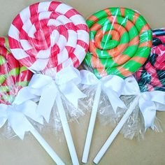 Can't wait to use my DIY Giant Lollipops in my Christmas Decor! Found POOL NOODLES, duct tape, and toilet plungers at the Dollar Tree! Lollipop Decorations, Pool Party Decorations, Christmas Yard Decorations, Dollar Tree Christmas, Dollar Tree Crafts, All Things Christmas, Christmas Crafts, Pool Noodle Wreath, Pool Noodle Crafts
