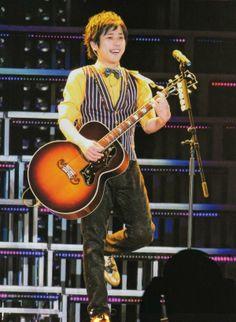 Ninomiya Kazunari, Cute Guys, Guitar, Handsome, Super Cute, Husband, Eyes, Couples, Hair Color