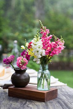 Simple flower arrangements are the Best!