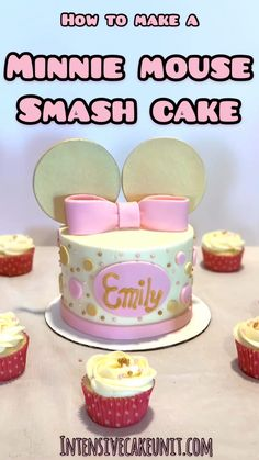 Cute and simple Minnie Mouse Cake - vanilla cake white frosting and simple fondant decorations Perfect for baby girl s first birthday firstbirthday smashcake minniemousecake babysfirstbirthday girlsbirthday Minni Mouse Cake, Bolo Da Minnie Mouse, Minnie Mouse Birthday Cakes, Minnie Cake, Baby Mickey Mouse Cake, Birthday Cake Video, First Birthday Cakes, Birthday Cake Girls, Girl First Birthday