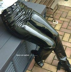 Skinny PVC jeans made of real glossy stretch vinyl (not lycra, spandex etc. We make these pants using your measurements to perfectly fit all around your legs (including calfs and knees). Vinyl Leggings, Women's Leggings, Black Leggings, Pvc Jeans, Jeans Pants, Pantalon Vinyl, Latex Pants, Vinyl Clothing, Leder Outfits