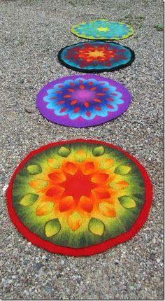 Jana's Kreatives Tagebuch: Gefilzte Blütenmandalas = Tischblüten