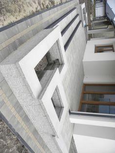 Układanie kostki brukowej, tarasy, schody Home Entrance Decor, House Entrance, House Paint Exterior, Exterior Design, Yard Landscaping, Backyard Patio, Tv Wall Design, House Design, Front Porch Steps