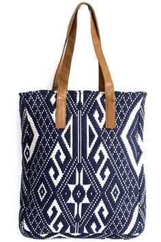 Carry everything you need in this beautifully textured tote. Ethnic Bag, Straw Tote, Tapestry Crochet, Leather Bags Handmade, Fabric Bags, Cute Bags, Tote Handbags, Travel Bags, Fashion Bags