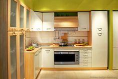 Modern Two-Tone Kitchen Cabinets #04 (Kitchen-Design-Ideas.org)