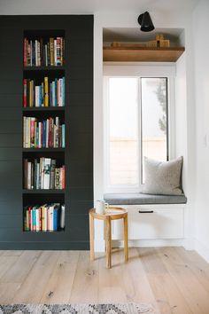 Wales Modern Throw Pillows – Modern Throw Pillows – Modern Bedroom Furniture – All For Decoration Interior Design Minimalist, Modern House Design, Decor Interior Design, Modern Home Interior, Modern Interiors, Interior Decorating, Modern Bedroom Furniture, Home Decor Bedroom, Living Room Decor
