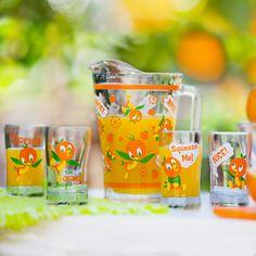 Disney Love, Disney Magic, Disney Art, Juice Company, Bird Party, Orange Bird, Disney Kitchen, Disney Home Decor, Glass Pitchers
