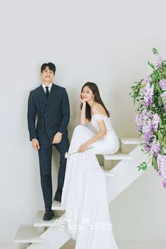 View photos in Daaom Studio 2019 Sample (NEW! Pre-Wedding photoshoot by Daoom Studio, wedding photographer in Seoul, Korea. Pre Wedding Poses, Pre Wedding Shoot Ideas, Pre Wedding Photoshoot, Wedding Pics, Couple Wedding Dress, Wedding Couples, Wedding Dresses, Wedding Looks, Dream Wedding