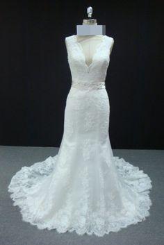 475547792167 Vestido de noiva semi sereia em renda, com cinto removível bordado, decote  em V
