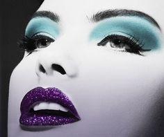 Purple lips - Glitter - Blue eyeshadow by Janny Dangerous