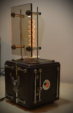 Steampunk lamp Brown Dude with dimmer and Edison by MagenKening